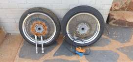 Motard Rims and Tyres