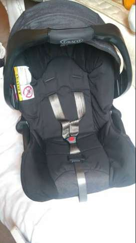 Graco Junior Car Seat and Base