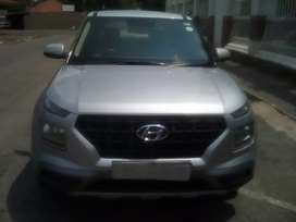Hyundai venue,model2020, engine 1.0Tdsg, mileage 4000km