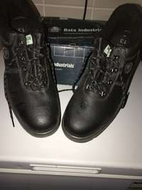 Bata Industrials safety work boots brand new never worn size 13, used for sale  South Africa