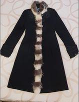 Пальто демисезонное с натуральным мехом