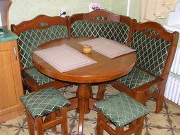 Уголок кухонный ПРАГА из дерева бук с круглым обеденным столом и табур