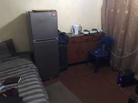 Room to let in Esther park