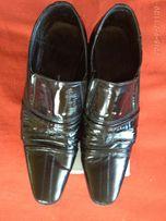Продам шкіряні лаковані чоловічі туфлі