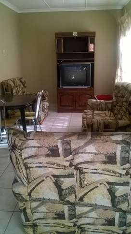 4 piece lounge settee for sale