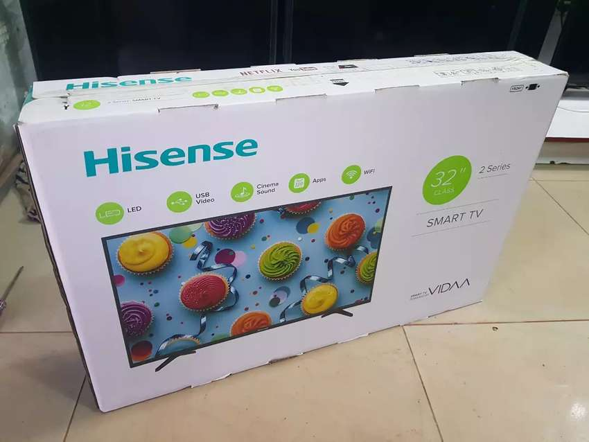 Hisense 32 inches smart TV 0