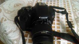 lustrzanka CANON EOS1300D obiektyw EF-S18-55mm ładowarka, kable, torba