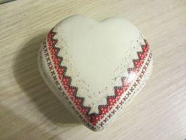 шкатулка керамическая с вышиванкой