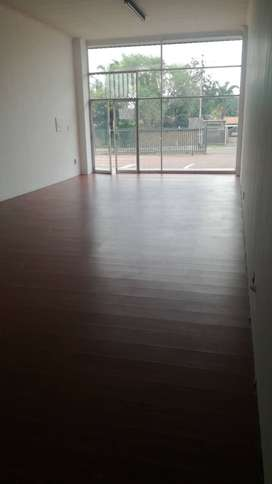 Shop for rent. Contact Aghilas