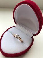 Кольцо с бриллиантом 0,11 карат