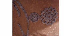 Naszyjnik damski w kolorze liliowym