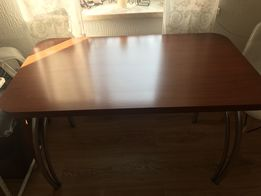 Stół do kuchni/ jadalni