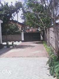 Approx 1 acre land slighly slopy with a large mansion 0