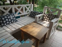 Садовая мебель . Садовый уголок . Кресло . Стол .