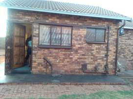 Ext 26 Vosloorus house to rent in a shared yard