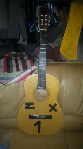 Selling this guitar for R700 first come first served text me