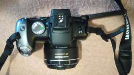 Canon PowerShot SX10 iS superzoom camera