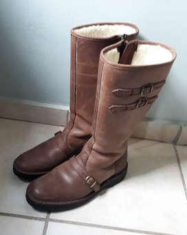 Genuine leather calf-length boots