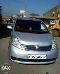 Quick sale! Toyota Isis KBS available at 700k asking! 0