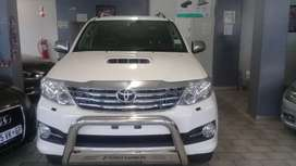 2015 Toyota Fortuner 3.0 D4D 4X4 with Automatic Transmissio