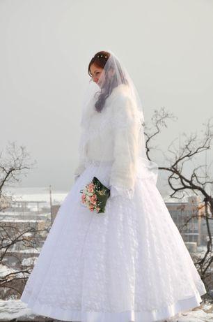 Красивое свадебное платье цвет белый размер 44-48