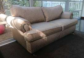 Immaculate exceptionally high quality voluptuous 2 seater couch