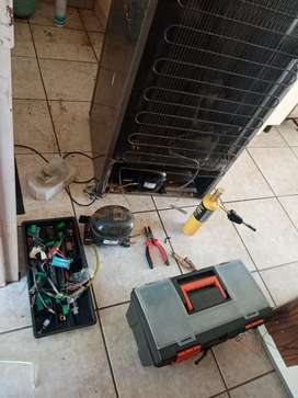 FRIDGE FREEZERS REPAIRS AND RE-GASSING ON SPOT