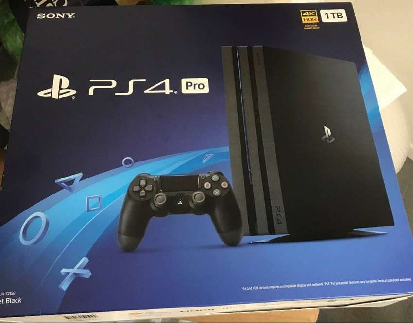 Sony play Station 4 pro 1 TB 0