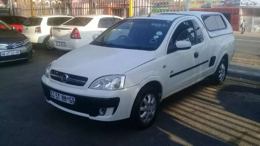 2010 Opel Corsa Bakkie with canopy 0