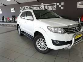 2012 Toyota Fortuner 4.0 V6 R/B Automatic White 101 500Km Excellent Co