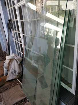 Toughened glass x 8 pieces