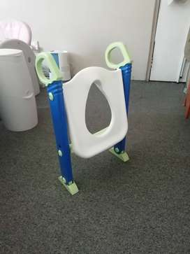 Toilet seat and nanny bin