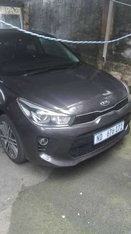 2017_kia reo hatchback in excellent condition