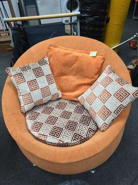 Comfort 1 seater couch for sale