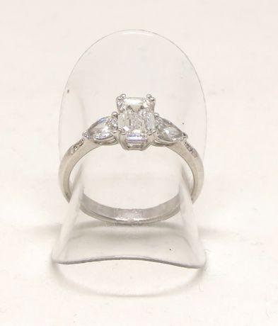 Białe złoto 0,750. Pierścionek z brylantami 1,50 carat. Zaręczynowy. Szczecin - image 3