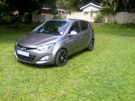 2014 Hyundai i20 Automatic in a good condition. full house.