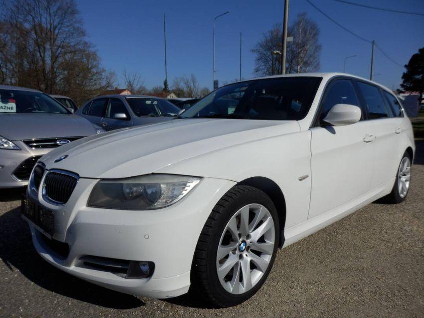 BMW Řada 3 2,0 318D AUT. TOURING NAVI 0