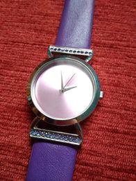 Zegarek damski z kryształami Swarovskiego