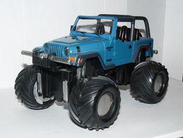 Модель Road Champs Jeep Wrangler MonsterTruck 2003