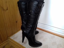 Зимние женские кожаные сапоги Luciano Carvari. Размер 37.