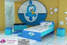 Łóżko dla dziecka, dziecięce tapicerowane tkaniną z dwoma materacami.