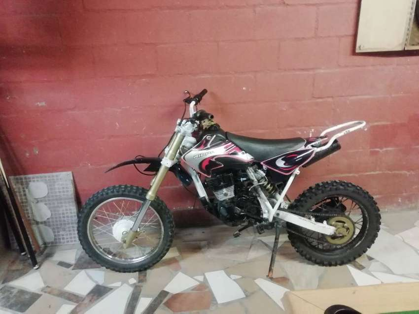 200cc rippa dirt bike 0