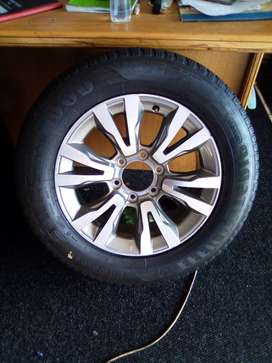 18'' Original Isuzu X-Rider mag with used 255/60/18 tyre x1 for spare