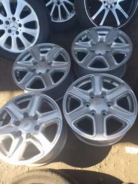 Ford Ranger original alloy mags size 17 set for sell
