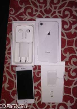 iPhone 8 64gb only 4 months old selling it with earphones and charger