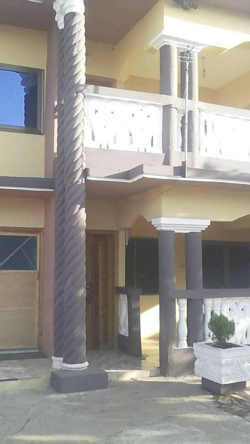 Executive Chamber & hall self contained at North Kaneshie 600Gh 1/hal 0