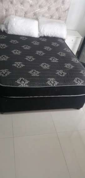 Queen size bed R1700