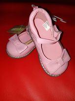 Туфли нарядные crazy8 р6(22) стельуа 13.5см.