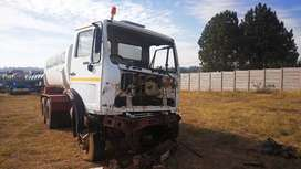 Mercedes benz 2219 stripping 0for spares
