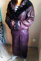 Продам кожаное пальто с каракулем Италия